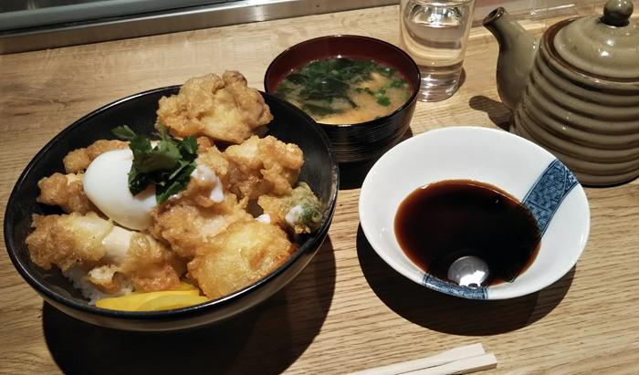 「トリ天丼」…680円(税込)